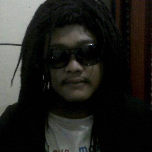 erix kurniawan's avatar
