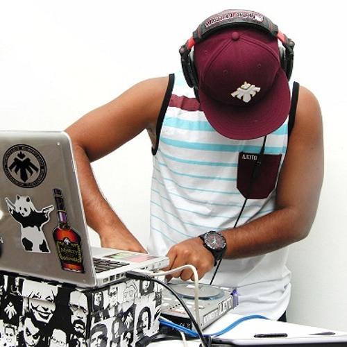 DJ ISACC's avatar