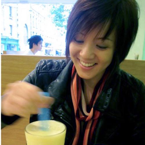 Naomi Seah's avatar