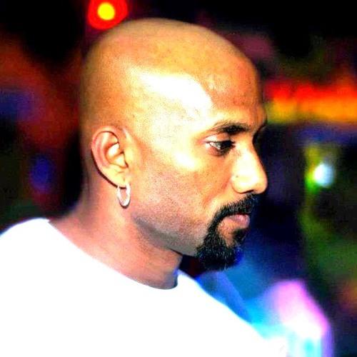 DjAdamz Puvanesan's avatar