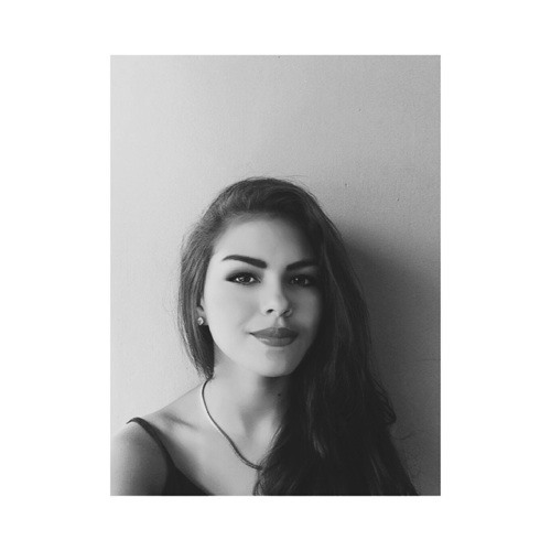 Fara Chavarria's avatar