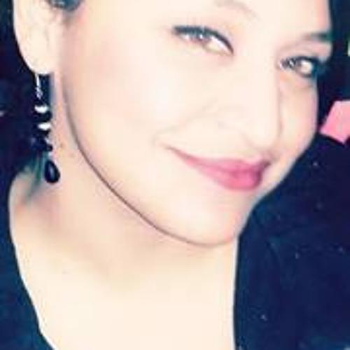 Dee Hernandez 10's avatar