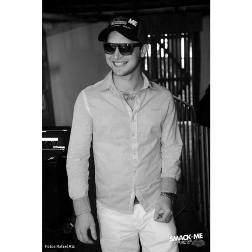 Vinicius Nascimento 7's avatar