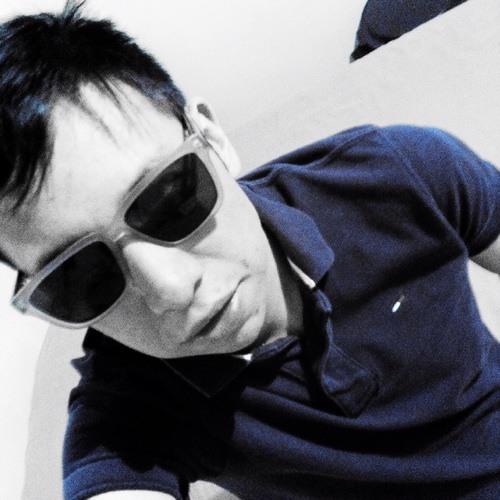Adrián Chavarri's avatar