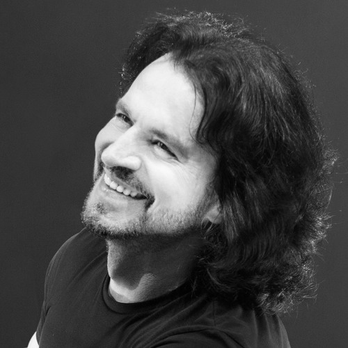 Yanni Music's avatar
