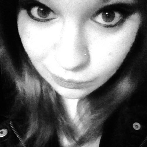 kAiTlYn NiCoLe's avatar