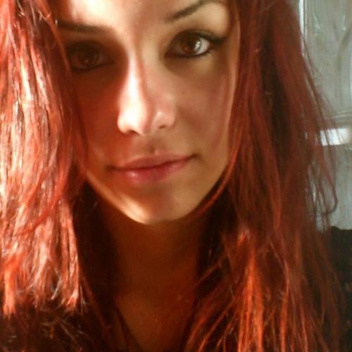 Laura Rodrigues 9's avatar