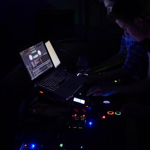 DJ aRon B.'s avatar