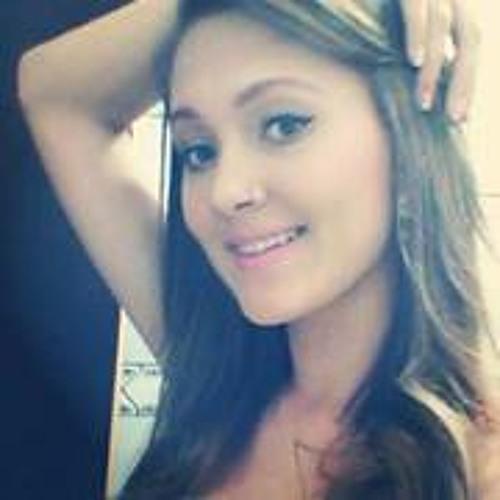 Caroline M Vieira's avatar