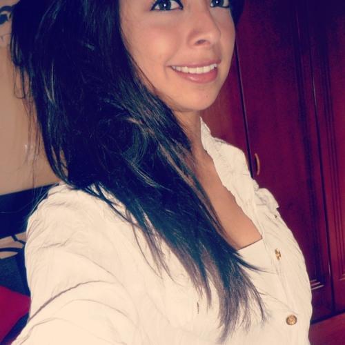 Evelyn Rosero's avatar