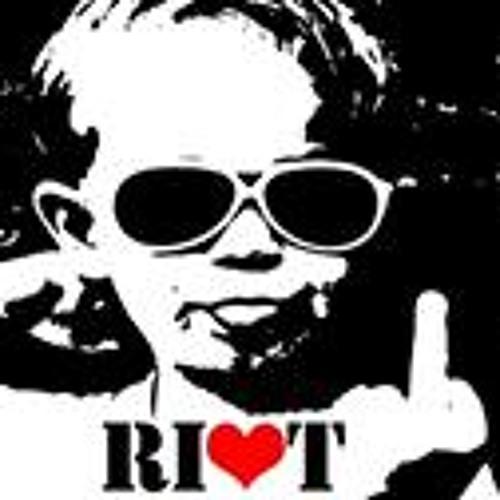 Riot Devon England's avatar