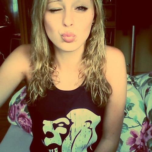 Caralinaa :)'s avatar
