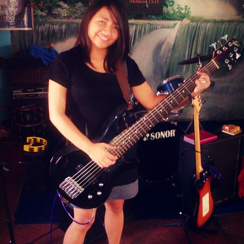 Nicole Javier 2's avatar