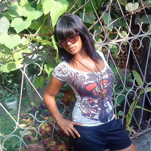 Mayzah's avatar