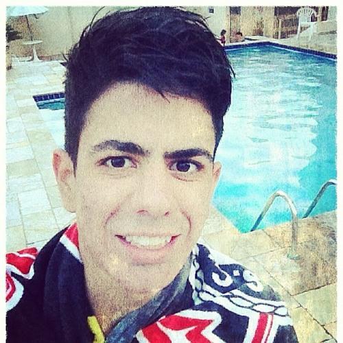 Lucas Santana de Moura's avatar