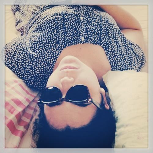 MarianaThomé's avatar