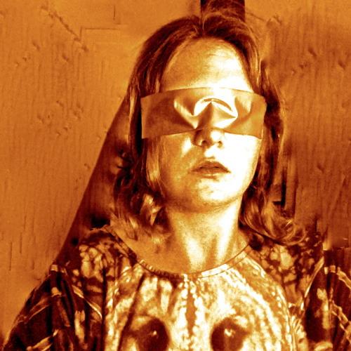 Roslyn Steer's avatar