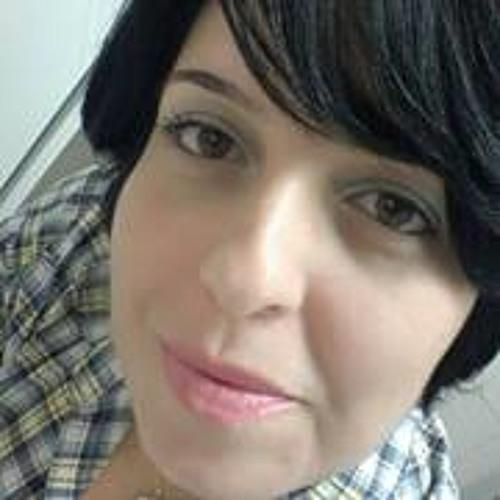 Giovana Martins 8's avatar