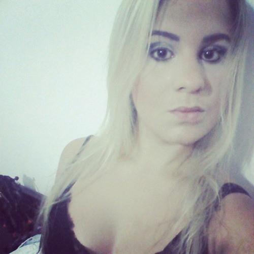 Marianne Ribeiro's avatar