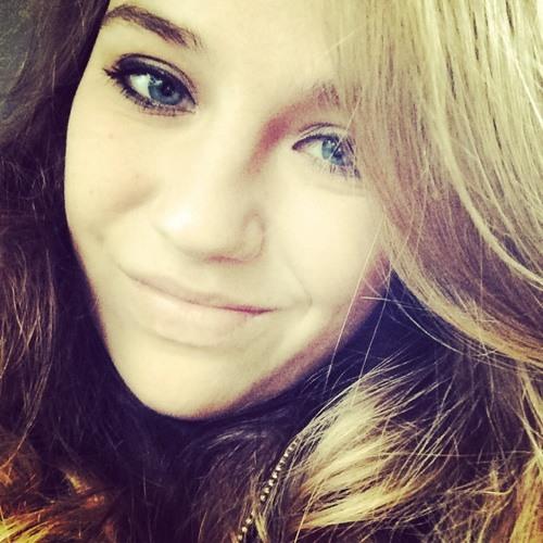 Michèle Louisa's avatar