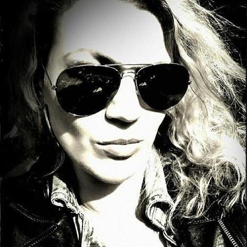 Danielle Sturmer-Verkolf's avatar