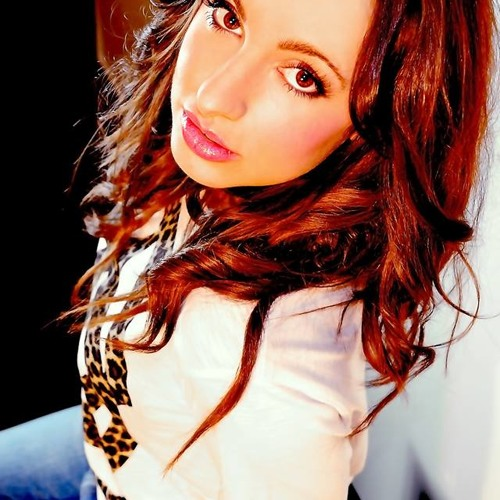 Justine Hughes's avatar