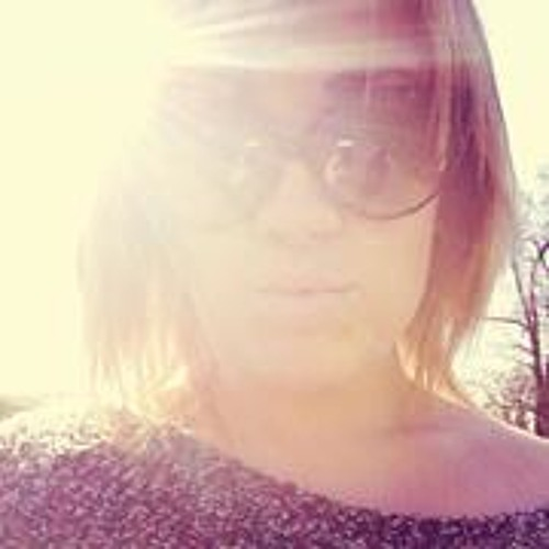 Danielle Leigh 9's avatar