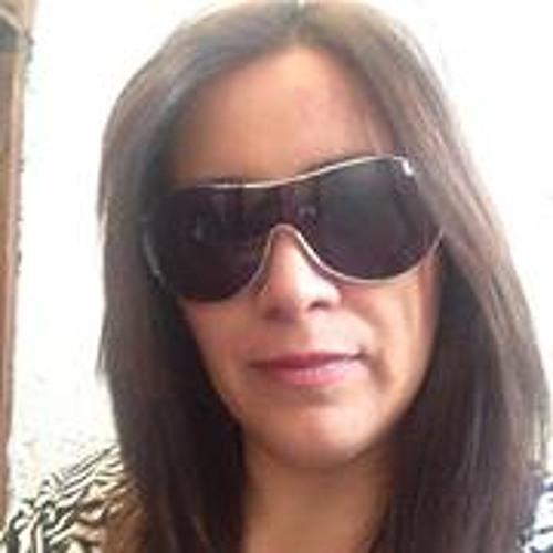Erika Paredes Valencia's avatar