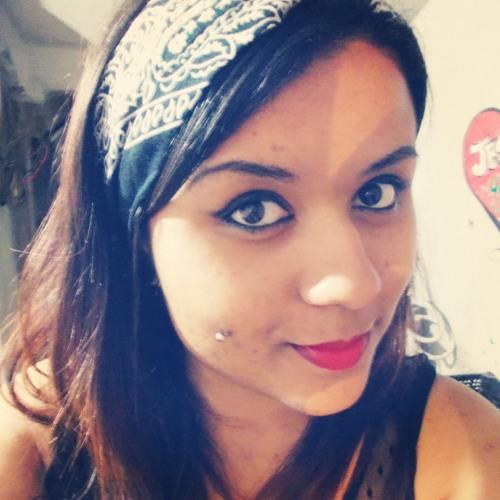 Miriam Araujo's avatar