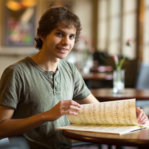 Alexander J Leon's avatar