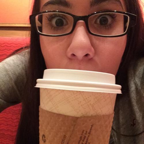 Olivia Rua's avatar