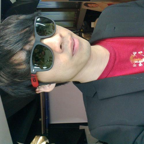 Damien Chew's avatar