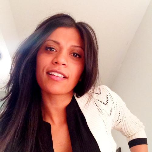 Lourdes Rodrigo's avatar