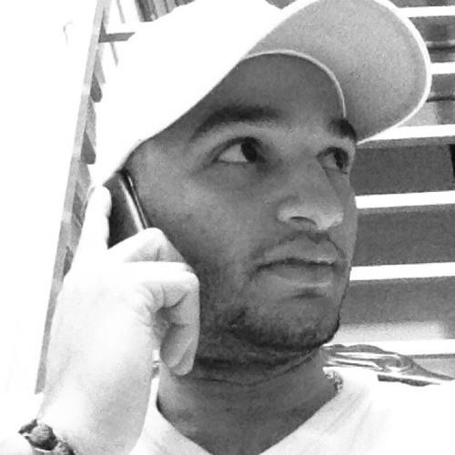 Carlos Romano 3's avatar
