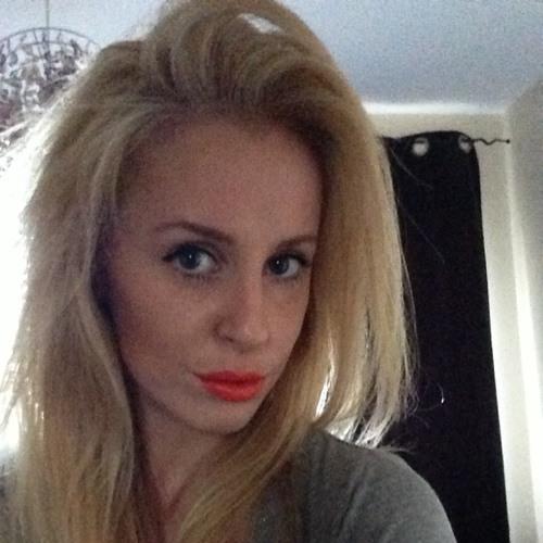 Lara.11's avatar