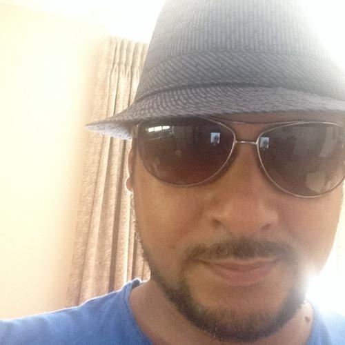 ZakEe's avatar