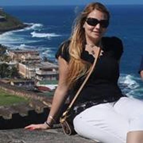 Aline Bortone's avatar