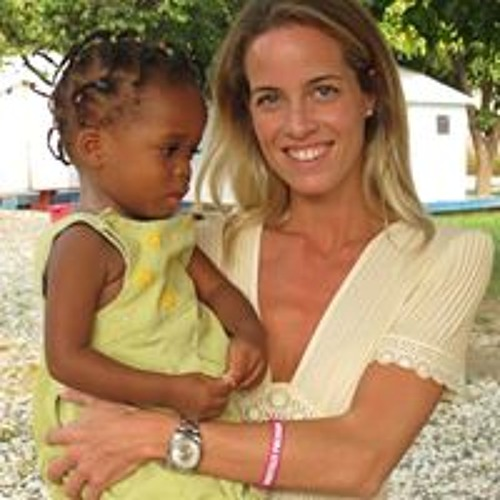 Carolina Gonzalez-Bunster's avatar