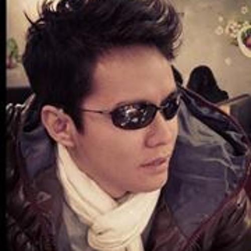 Myo Gyi 22's avatar