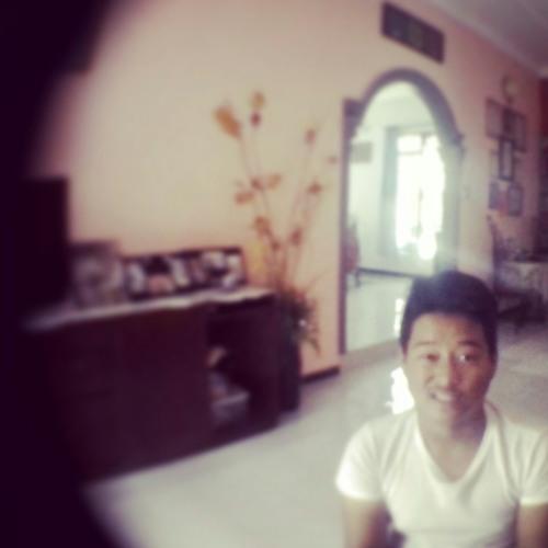 tengku98's avatar