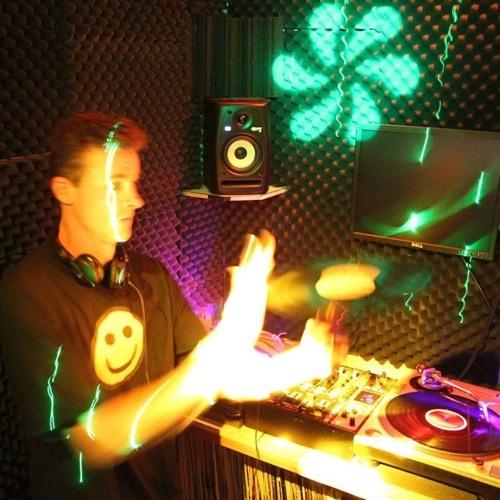 DJ chriscrazy's avatar