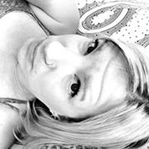 Carrie Egbert's avatar