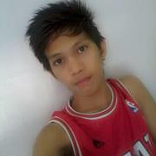 Louis Santiago 4's avatar