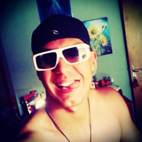 Rafael Santiago 40's avatar