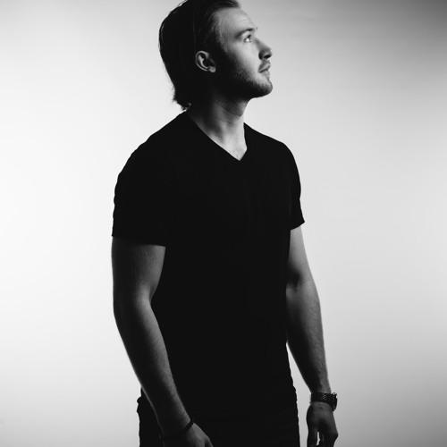 Sebastian Saint's avatar