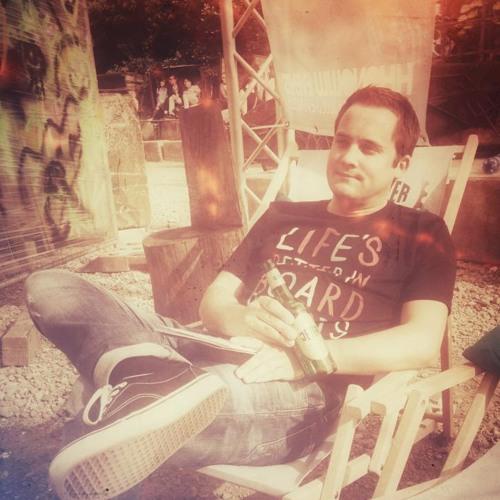 Jörg @ Calling Deep's avatar