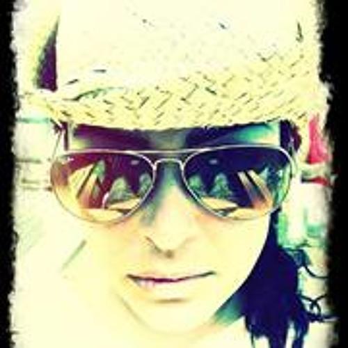 Lynda Adeline's avatar