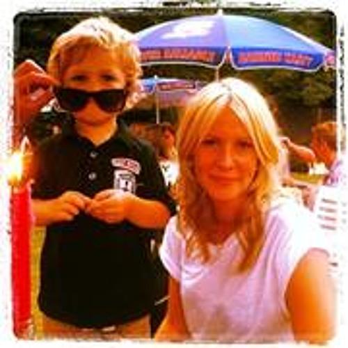 Gemma Howell 2's avatar
