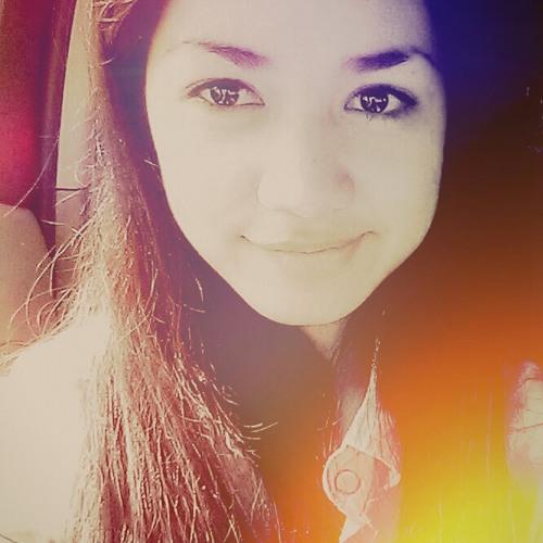 Lora ❤'s avatar