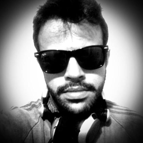 Gui Ribeiro's avatar